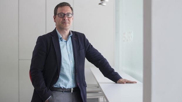 Alfonso Serrano, vicesecretario de Organizacíon y Electoral del PP de Madrid y director de campaña de la candidata Isabel Díaz Ayuso