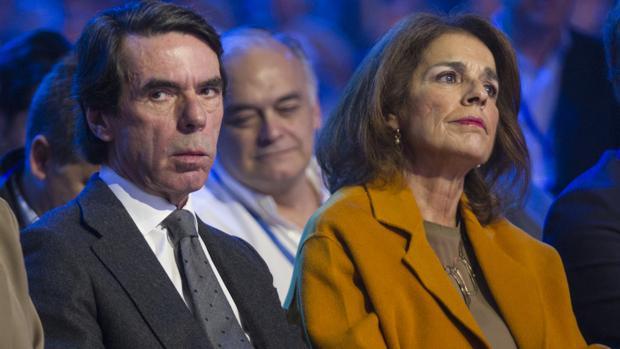 Ana Botella, en la convención del PP, junto a José María Aznar