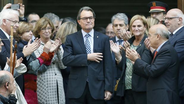 Artur Mas, en 2015, tras declarar como imputado ante el TSJC por el 9-N