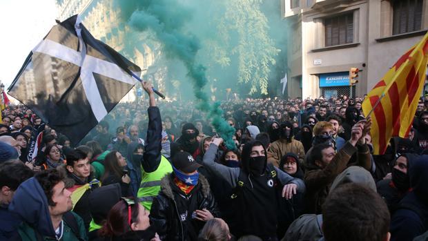 Manifestaciones en contra de la celebración del Consejo de Ministros en Barcelona, el 21 de diciembre