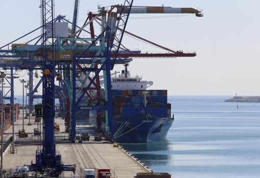 Imagen de las instalaciones del puerto de Valencia
