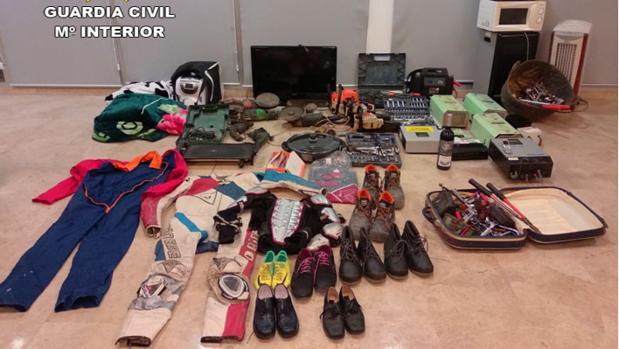 Material encontrado a los detenidos