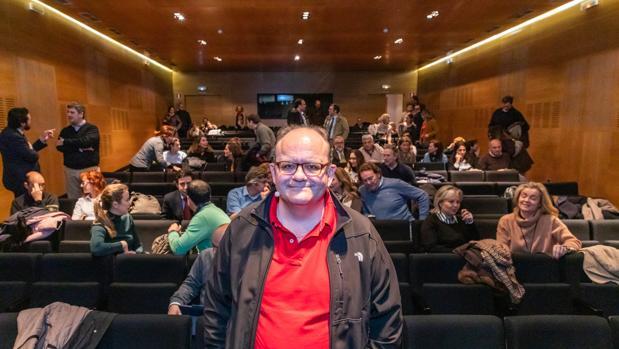 Gustavo Entrala, minutos antes de impartir la charla promovida por los colegios de Fomento Peñalba y Pinoalbar, en colaboración con Empantallados.com