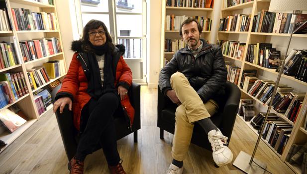 Victoria Benavente y Amancio Pablos, propietarios de «Hoy Libro»