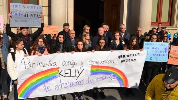 Concentración hoy jueves en Reus en repulsa por el asesinato de Kelly, vecina de esta localidad