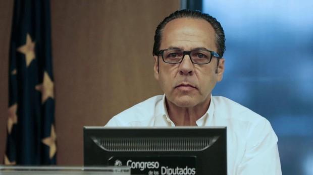 Uno de los líderes de la trama Gürtel, el Bigotes, pero afeitado, en una comparecencia en el Congreso