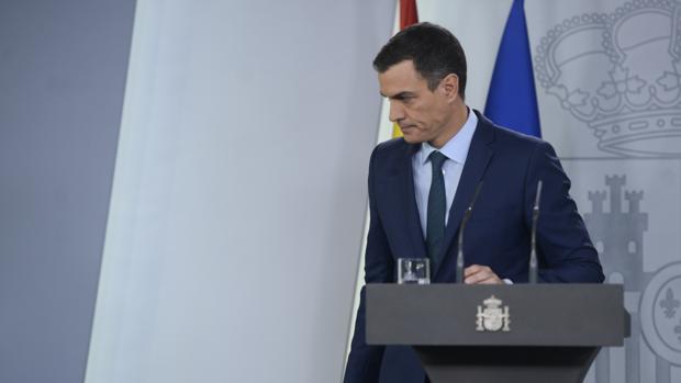 Pedro Sánchez, presidente del Gobierno, tras una rueda de prensa el 26 de enero