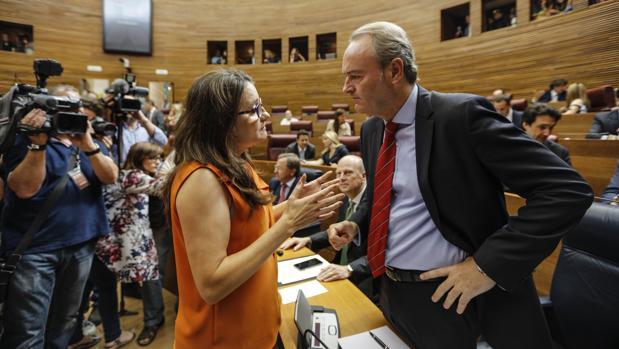 Mónica Oltra y Alberto Fabra, en las Cortes Valencianas en una imagen de archivo