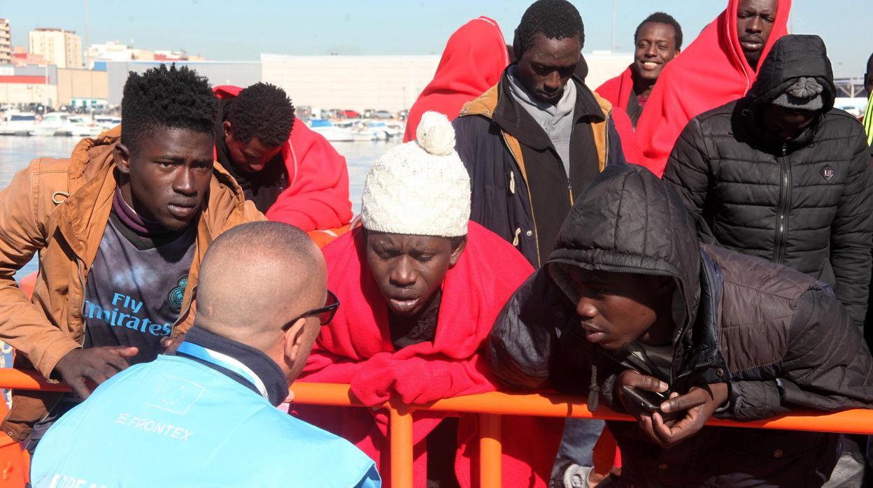 Alerta roja ante la «hiperpolitzacion negativa» de la inmigración