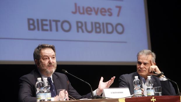 El director de ABC durante la inauguración de la VII edición del Foro España a Debate