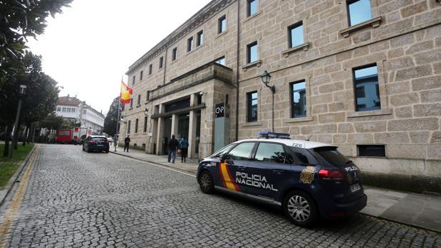 «Hay 3.000 policías deseando volver a Galicia a los que le han vuelto a cerrar la puerta»