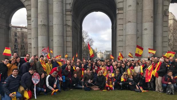 Varios de los representantes valencianos que han acudido a la manifestación de este domingo en Madrid