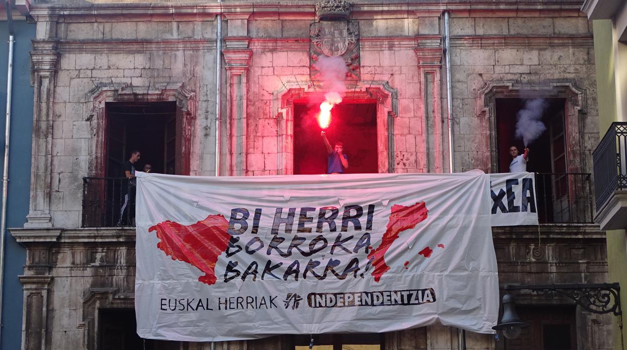 El juicio por la ocupación del Palacio del Marqués de Rozalejo se celebrará el 9 de mayo