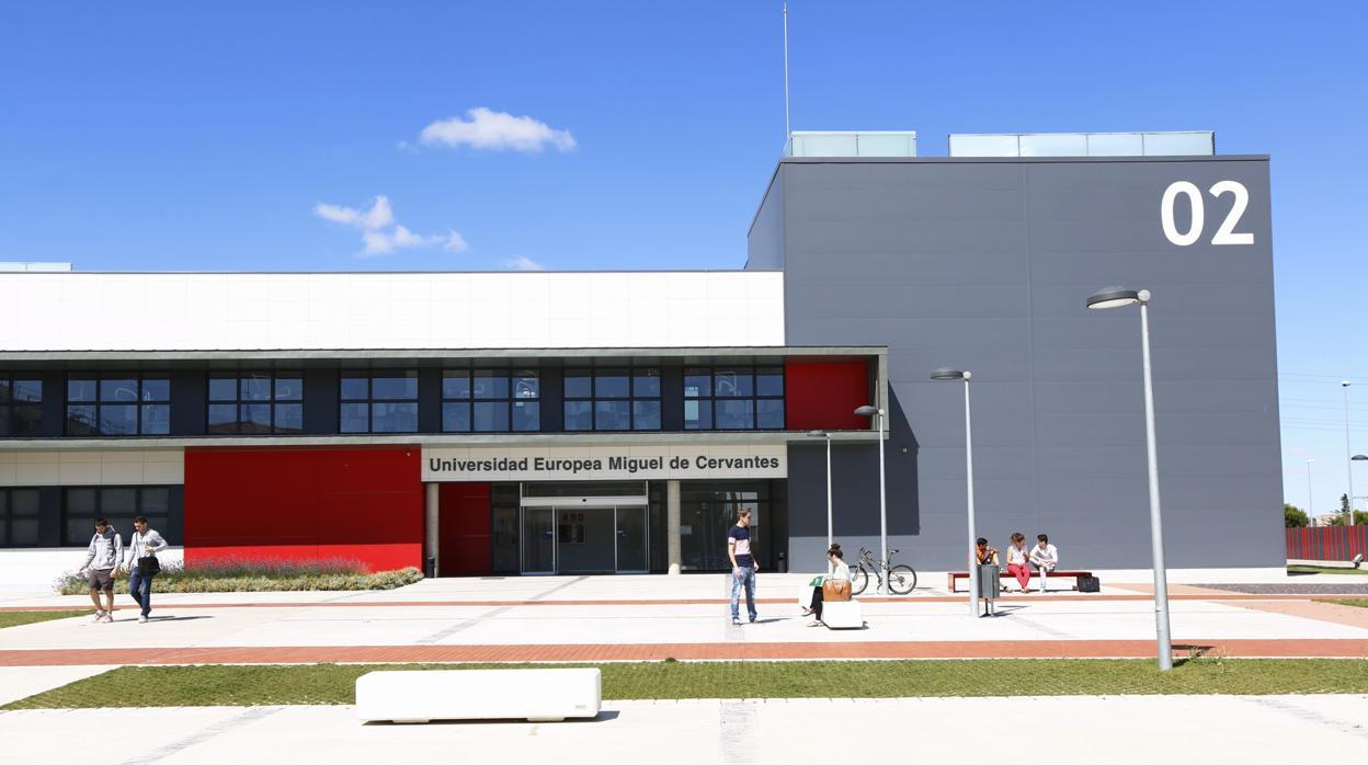 La UEMC ofrecerá dobles grados internacionales con estancias en la California State University