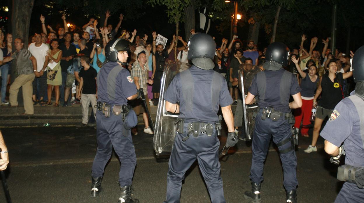 Los acusados por los altercados del 15-M cambian la cárcel por multas de 180 euros
