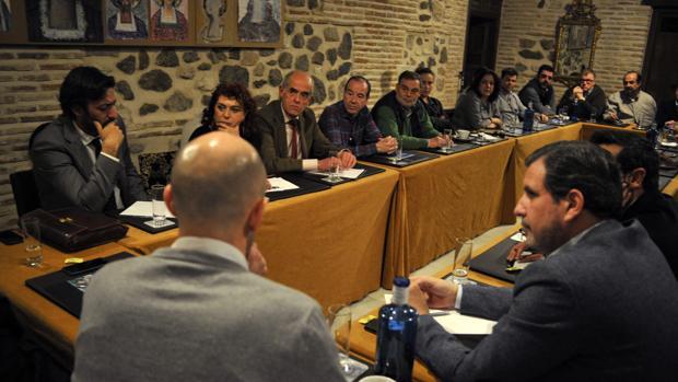 Un momento de la reunión mantenida en el Hotel Pintor El Greco