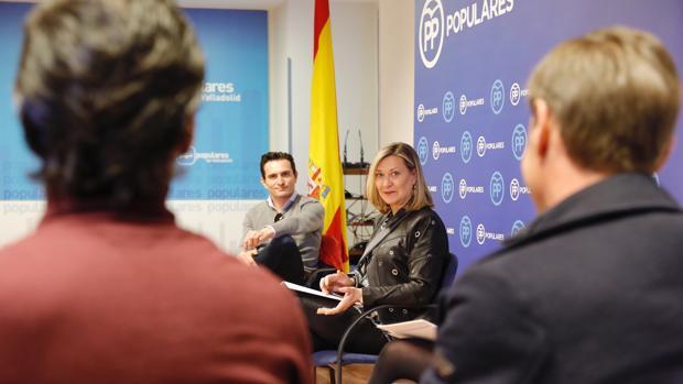 Pilar del Olmo se reúne con profesionales del sector de la tauromaquia