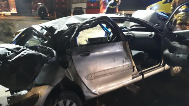 Imágenes del coche siniestrado en la AP7