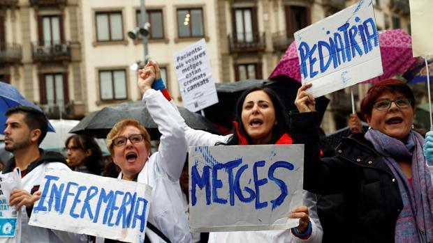 Médicos catalanes en huelga