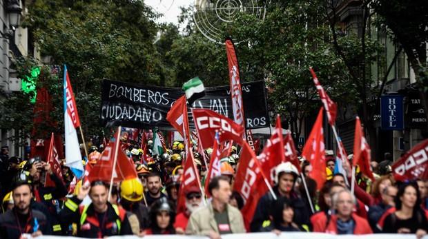 Protesta de Bomberos por el centro de Madrid, en octubre