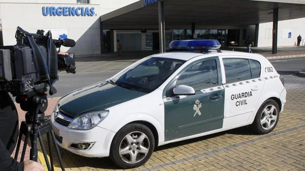 Un coche patrulla de la Guardia Civil en Torrevieja