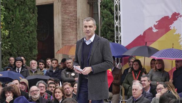 Ocho aspirantes se medirán a Toni Cantó en las primarias exprés de Ciudadanos