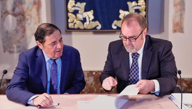 Los consejeros de Sanidad y Educación de Castilla y León firmaron ayer la nueva orden