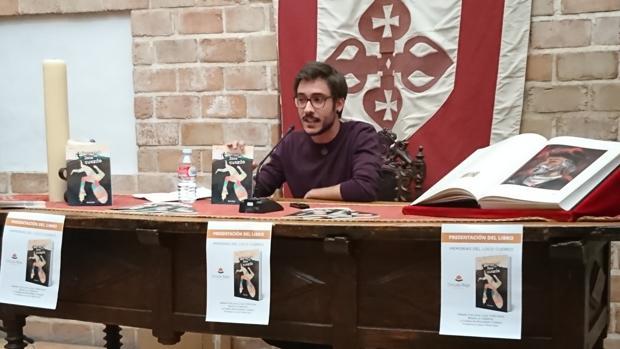Abraham Andreu, el joven escritor que plasma su vida en poemas