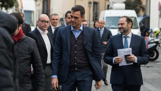 Sánchez aprovecha el altavoz de TVE para arrancar su precampaña
