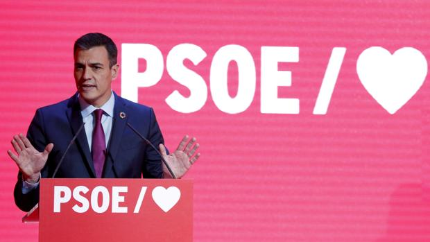 El PSOE inicia la precampaña intentando dejar sin espacio a Podemos y Ciudadanos