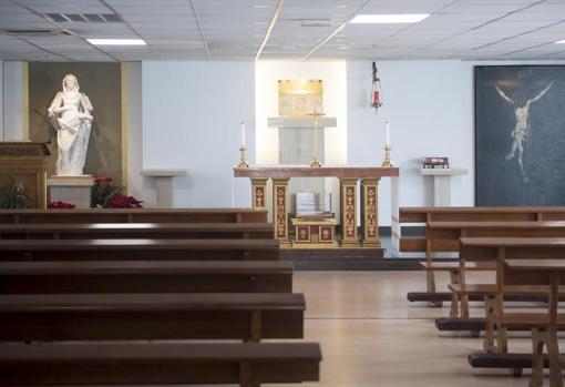 Altar de la parroquia de Santa María de Nazaret