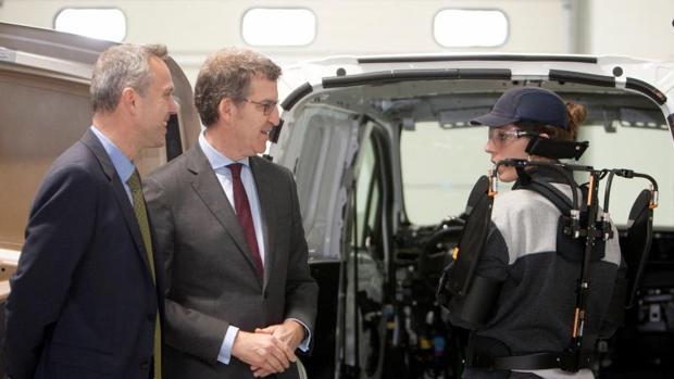 Ignacio Bueno y Feijóo en la visita a los laboratorios del CTAG en O Porriño
