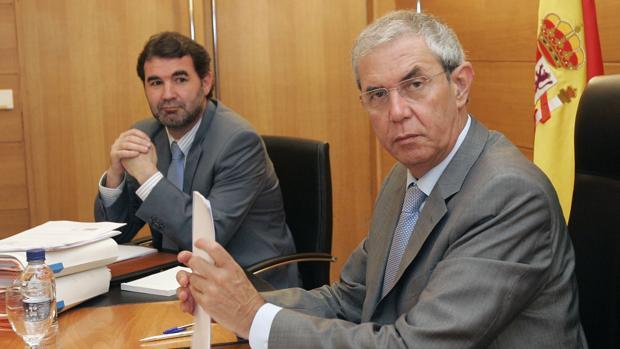 Anxo Quintana y Emilio Pérez Touriño, en una imagen tomada instantes antes de uno de los Consellos de la Xunta del gobierno bipartito