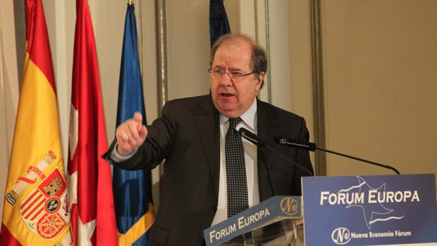El presidente de la Junta, Juan Vicente Herrera, interviene el desayuno informativo del Forum Europa bajo el título «Corredor Atlántico : la hora del Noroeste de España»