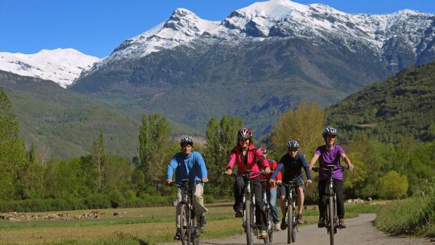 Turismo rural, deportes de aventura, paisaje, gastronomía... La oferta turística de la provincia de Huesca abarca múltiples aparatados
