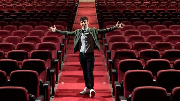 Antonio Díaz, El Mago Pop, en la platea del teatro Victòria