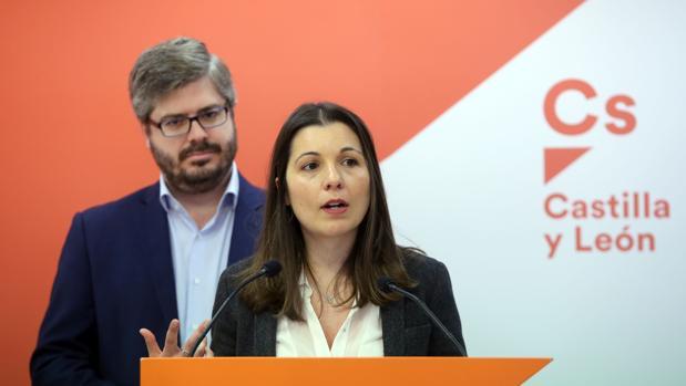 El secretario de Organización de Ciudadanos, Fran Hervías, presenta a Soraya Mayo como candidata de Ciudadanos al Congreso de los Diputados por Valladolid