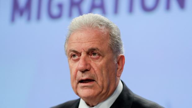 El comisario de Inmigración e Interior, Dimitris Avramopoulos