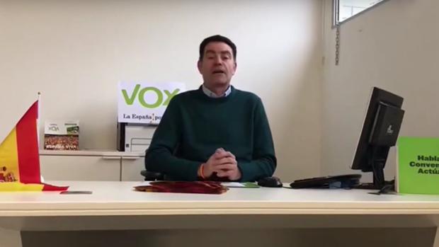 El detenido de Vox en Lérida, José Antonio Ortiz Cambray , en un vídeo en el que se presenta como presidente