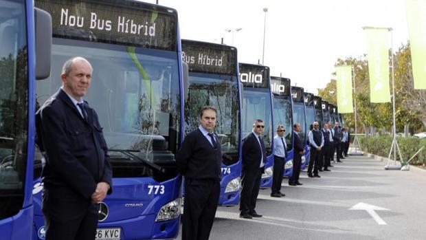 Presentación de los autobuses híbridos de la compañía La Alcoyana, este lunes