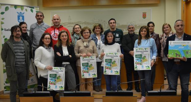González y profesores durante la presentación del programa