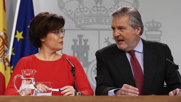 Soraya Sáenz de Santamaría e Íñigo Méndez de Vigo, en una imagen de archivo