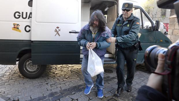 Antonio Téllez llega esta mañana a la Audiencia de Toledo