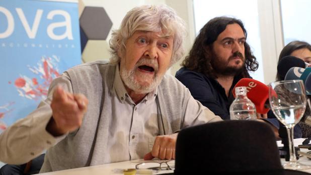 Xosé Manuel Beiras y Antón Sánchez en una imágen de archivo