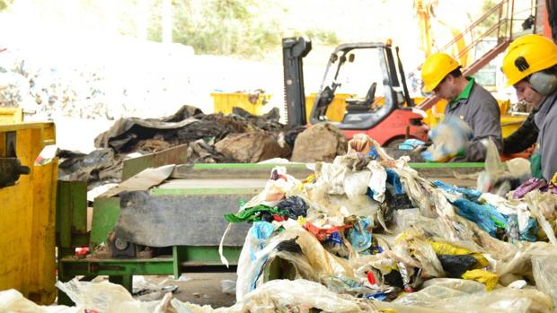 Planta de reciclaje de una empresa del grupo Genepol, al que pertenece la empresa Politer que opera en las Cuencas Mineras turolenses