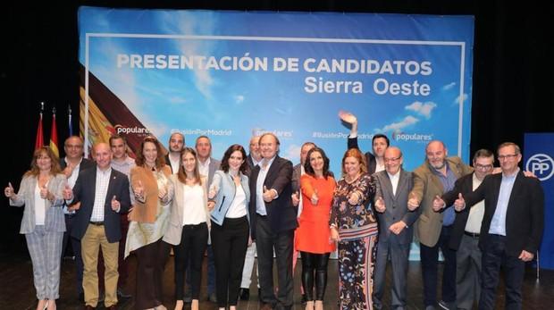 El presidente del PP de Madrid, Pío García-Escudero, y la candidata a la Presidencia de la Comunidad Isabel Díaz Ayuso, durante una reciente presentación de candidatos a alcaldías del oeste de Madrid