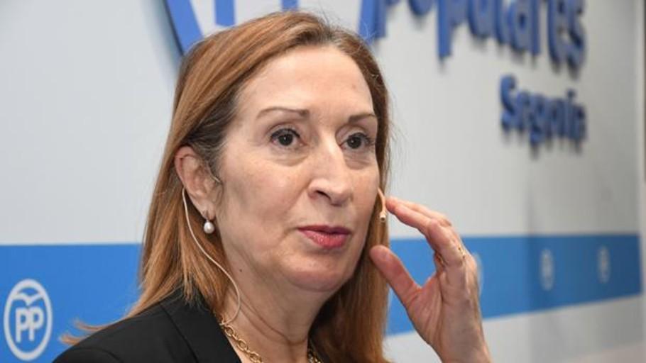 Ana Pastor: «No admito presiones de nadie. Estoy para cumplir y hacer cumplir la ley»