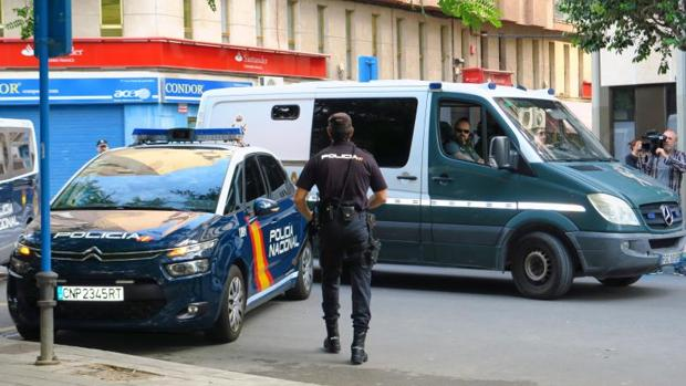 Efectivos de las Fuerzas de Seguridad del Estado, cerca de dependencias judiciales