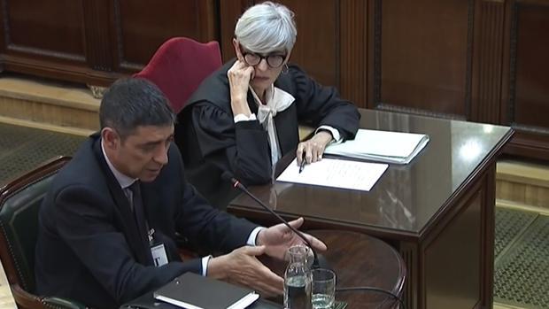 Josep Lluís Trapero declaró la semana pasada en el Surpemo acompañado de su abogada, Olga Tubau