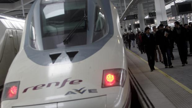 Trenes AVE en Valencia